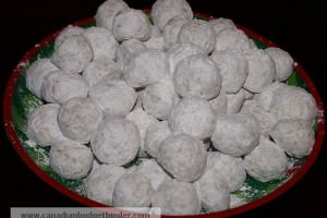 Mr.CBB's Holiday Snowballs On A Tray