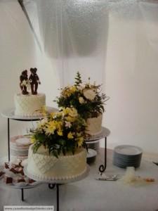 wedding-cake-fresh-flowers