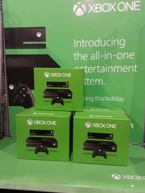 XBOX ONE or PlayStation 4: Does it pay to wait?