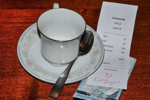coffee-cup-restaurant-tip-server