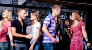 drinking-in-night-club