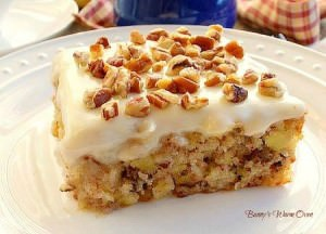 pineapple cake with cheesecake frosting