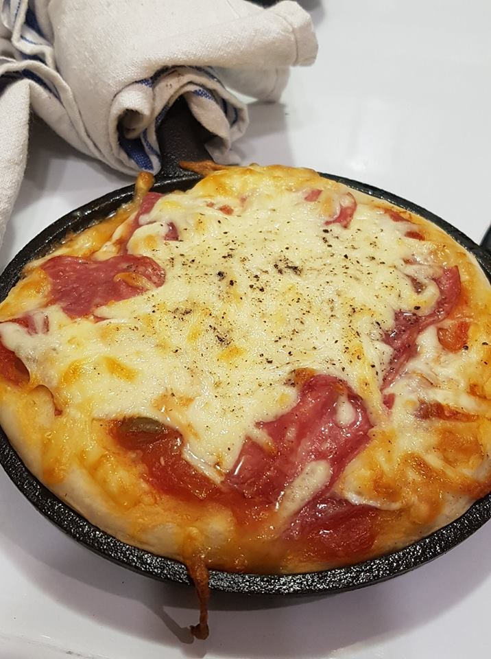 mini cast iron pizza
