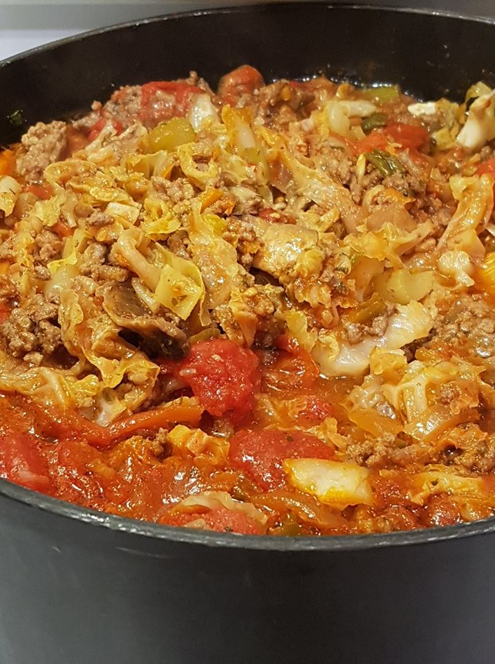 azy man cabbage roll soup keto friendly