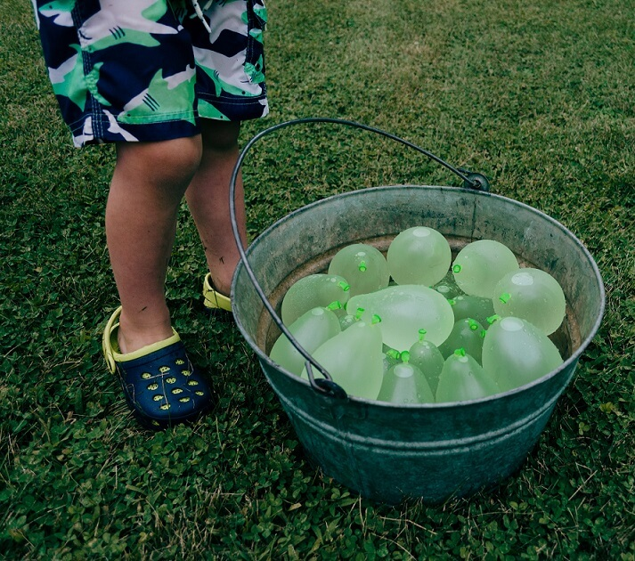 water balloons bunch of balloons water play activities