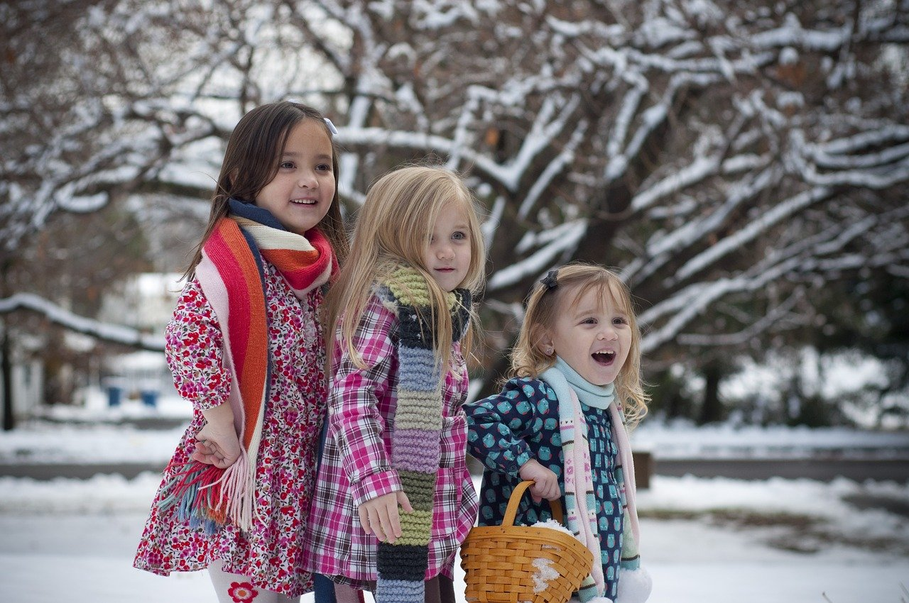 snow girls photography