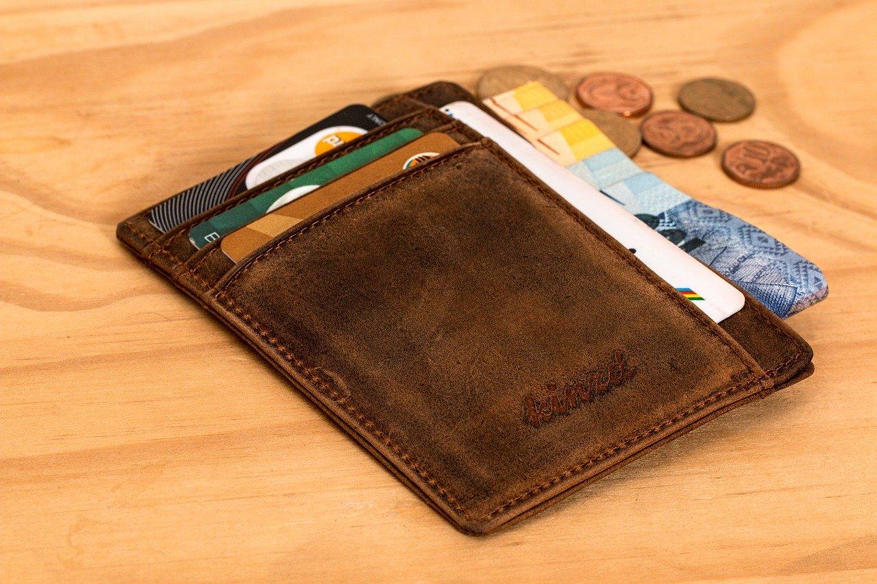 mans wallet lockdown budgeting