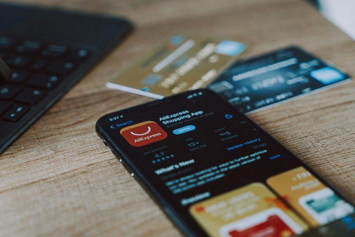Online Shopping using a Canadian Cash Back App or website.