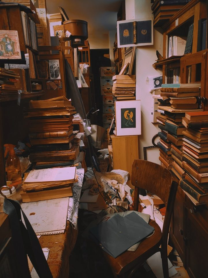 Hoarding and poor housekeeping is a safety hazard for the tenant